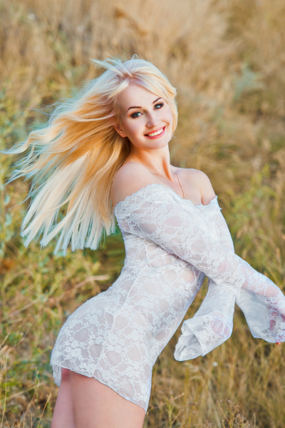 Yuliya 27 years old Ukraine Nikolaev, Russian bride profile, russianbridesint.com