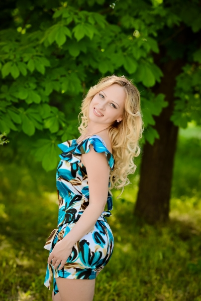 Alina 24 years old Ukraine Melitopol, Russian bride profile, russianbridesint.com